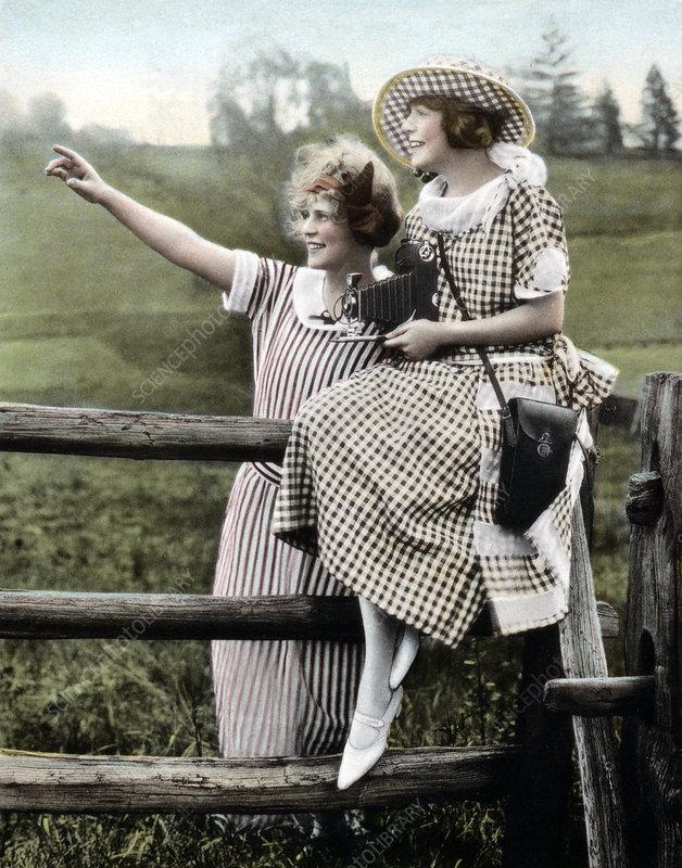 Amateur Photographers with Kodak Camera, 1930s - Stock Image