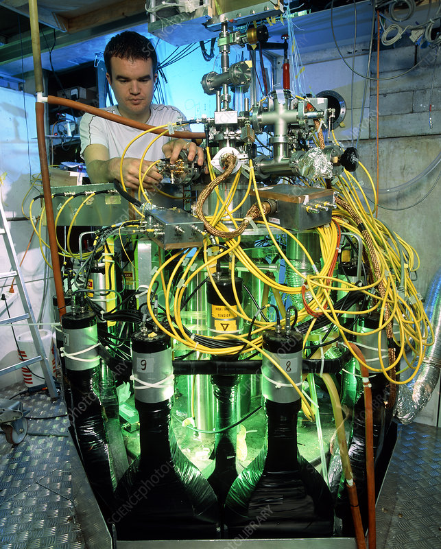 ATHENA antimatter experiment