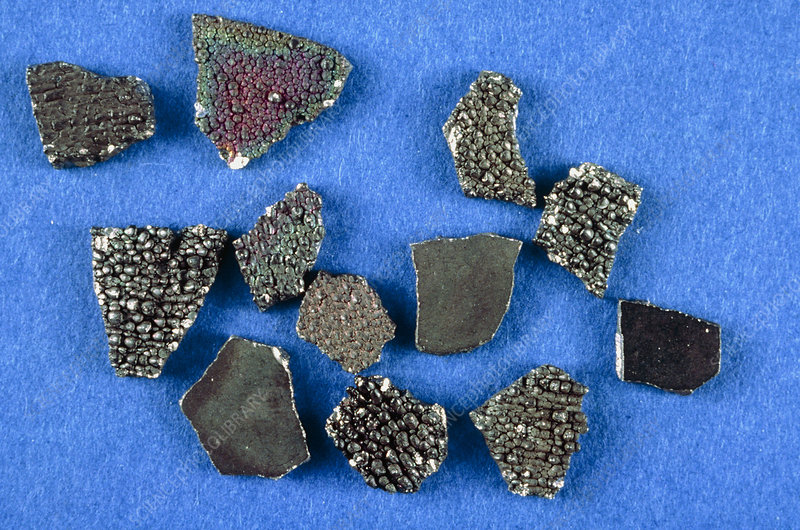 Pieces of manganese
