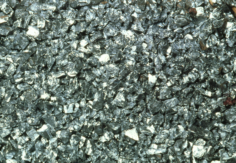 Granules of chromium metal
