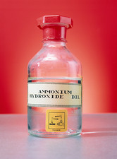 Ammonium hydroxide in bottle