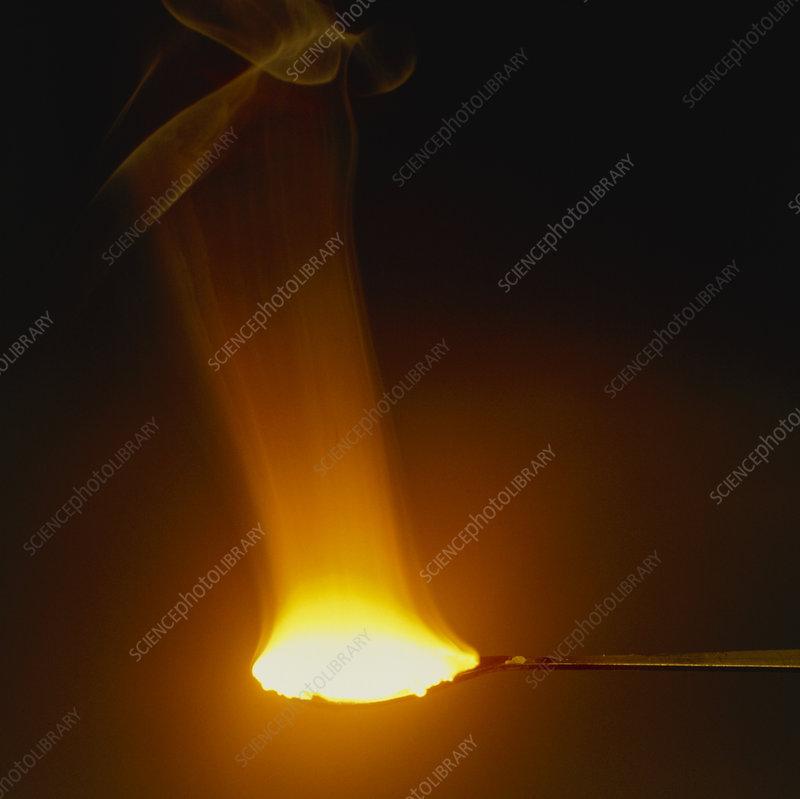 Sodium burning in oxygen