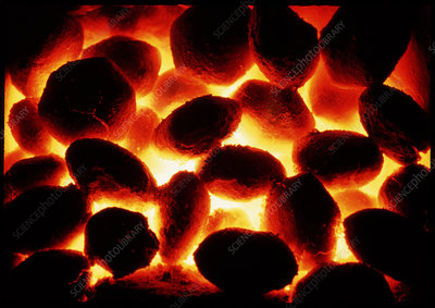 Glowing fire of smokeless fuel