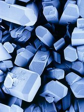 Blue-tinted SEM of vitamin C crystals
