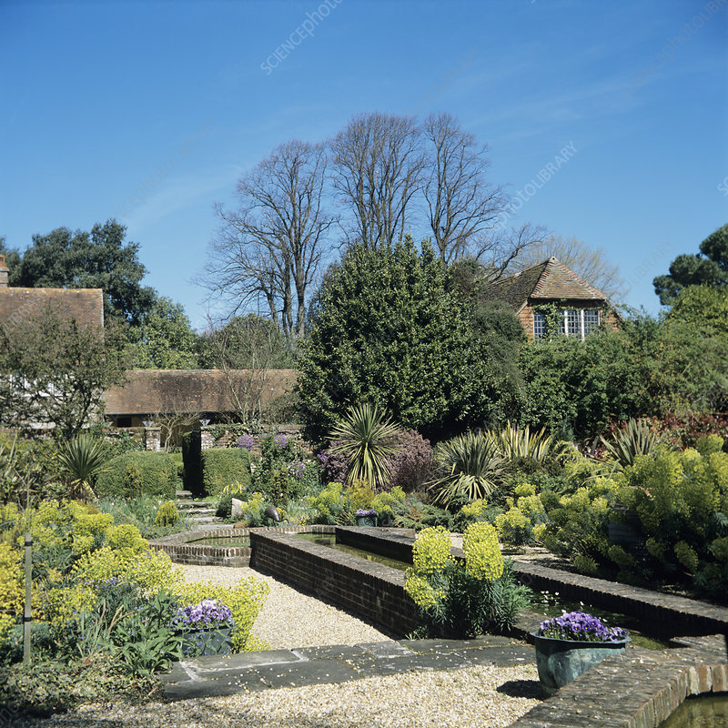 'Paradise Garden', Rymans house, Sussex