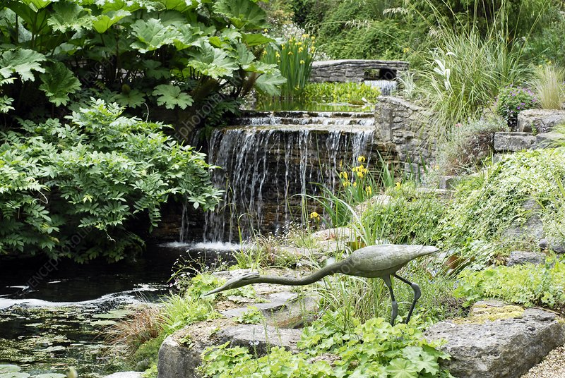 Water feature, Knoll Gardens, UK
