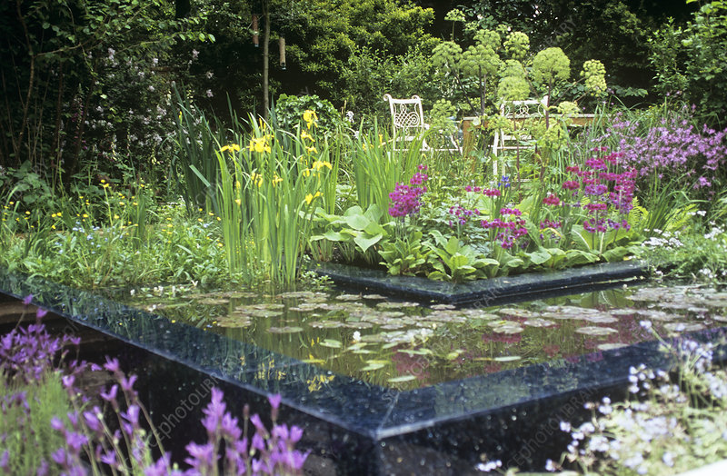Water feature, Chelsea Flower Show 2006