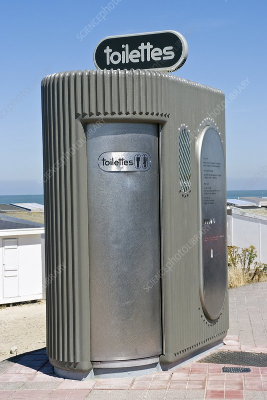 Automatic self-cleaning public toilet