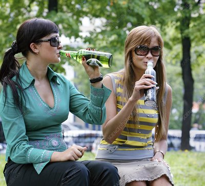 Women drinking beer