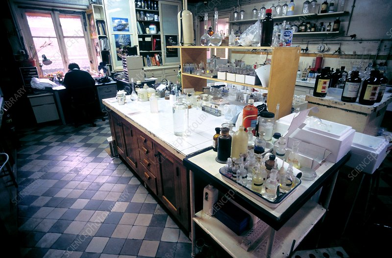 Forensic chemistry laboratory
