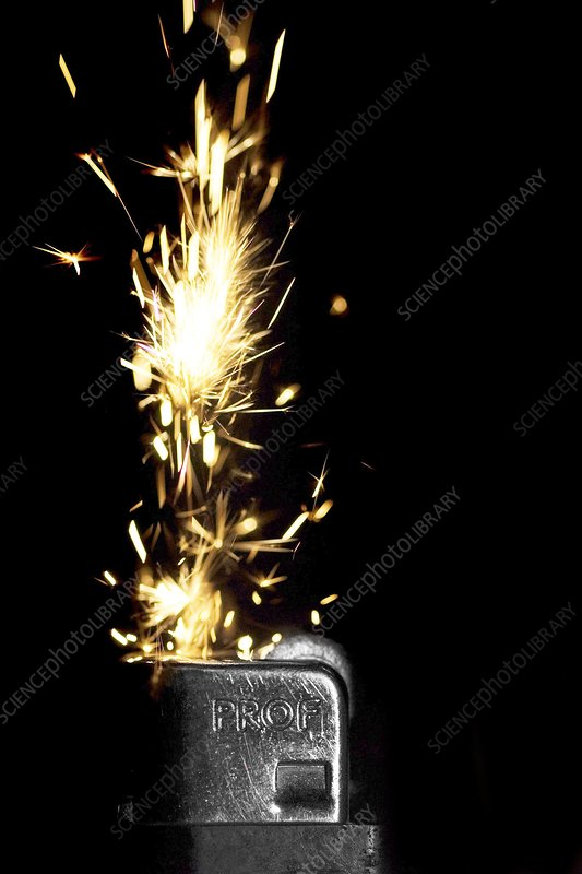 Cigarette lighter, high-speed image