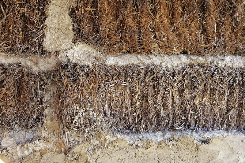 Straw building material