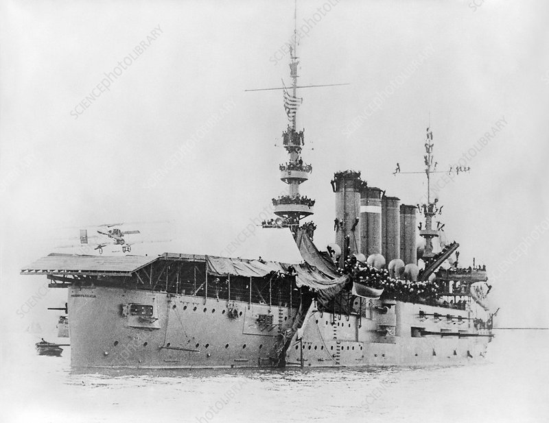 First aircraft landing on a ship, 1911