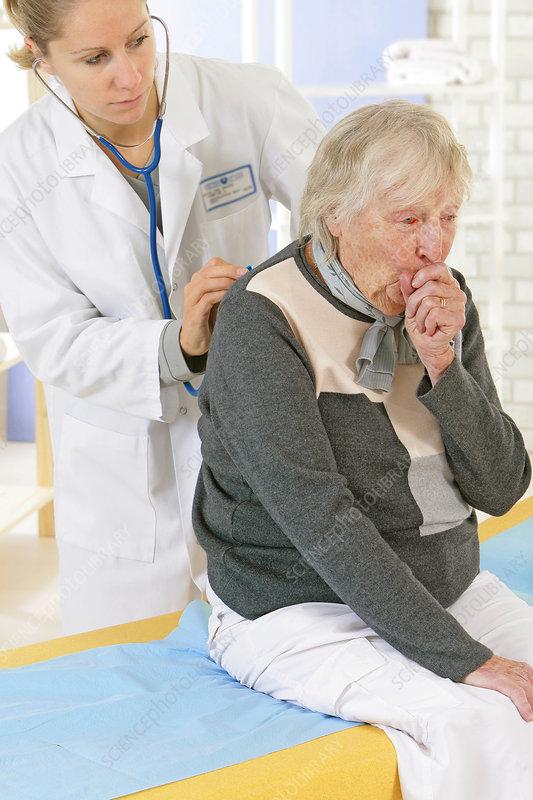 'Auscultation, elderly person'