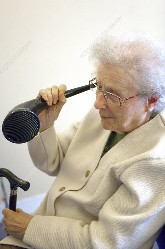 Hearing-impaired elderly person