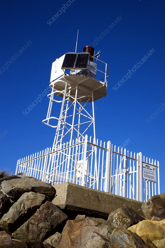 Automatic lighthouse