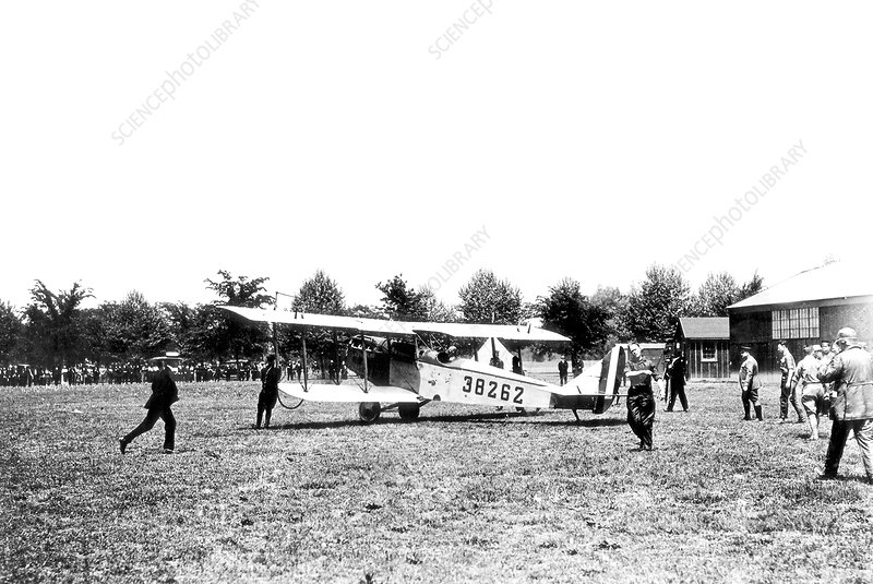 First scheduled US airmail service, 1918