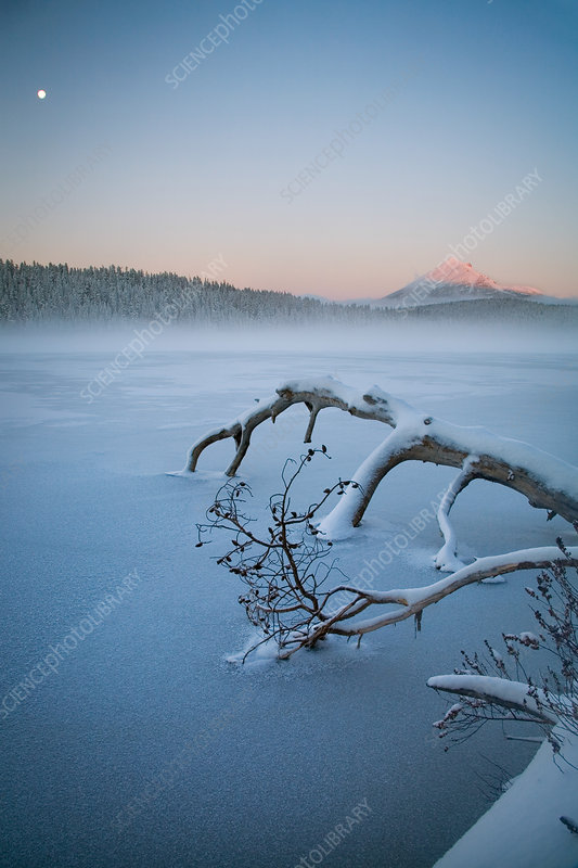 Lake of the Woods in Winter, OR