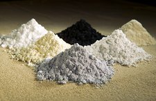 Rare earth oxide tracers