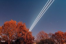 Aeroplane light trails