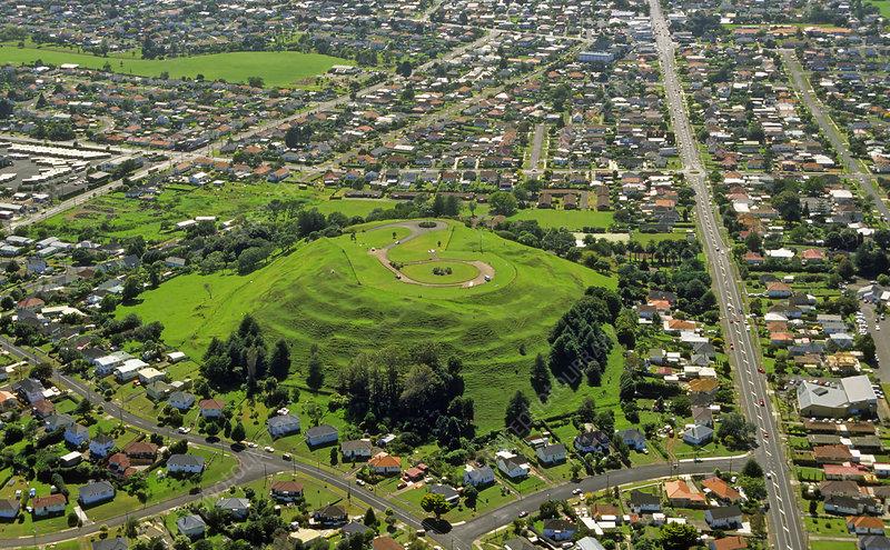 Basaltic volcano, maori earthworks