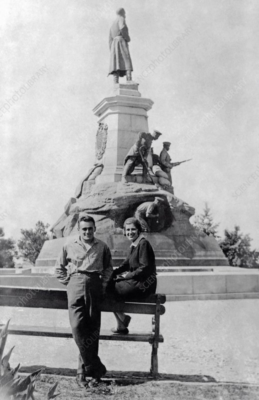 Korolyov and wife in Sevastopol, 1932