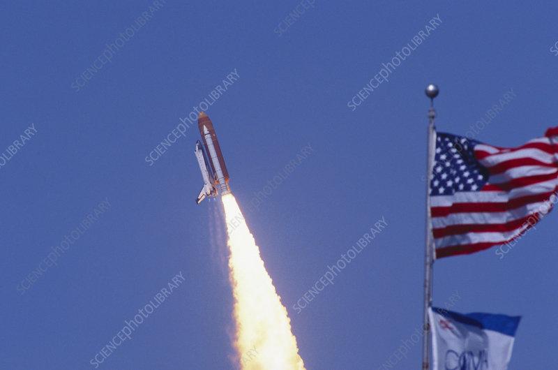 Avez vous des photos de l'orbiteur Columbia ? C0077853-Space_Shuttle_Columbia-SPL
