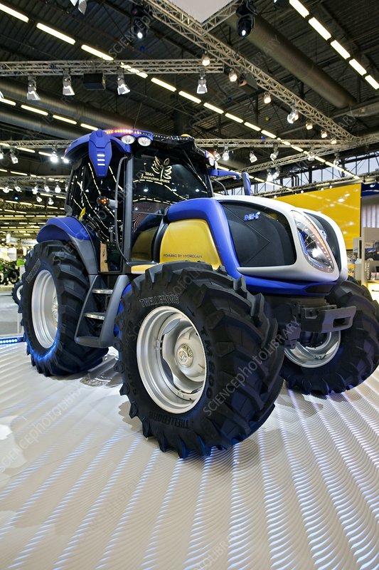 Hydrogen-powered tractor