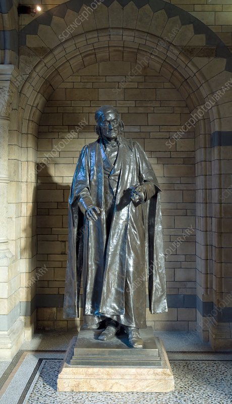 Sir Richard Owen, museum statue