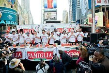 Pizza eating competition, USA