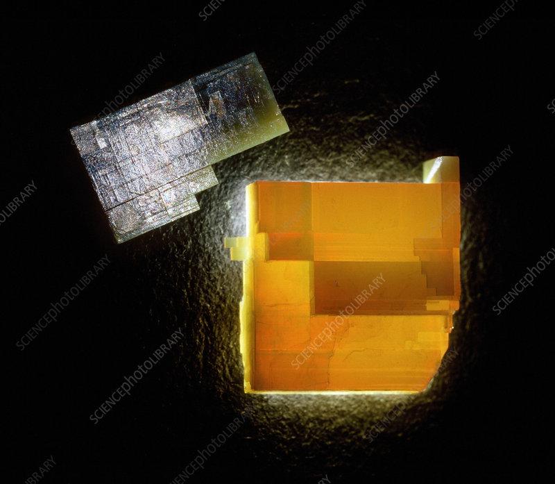 Asbestos crystals