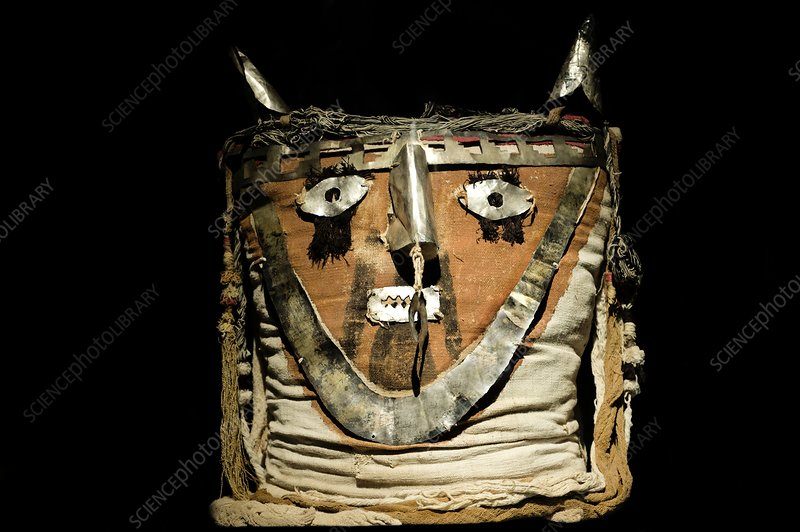 Funerary bundle head, Chancay Imperial