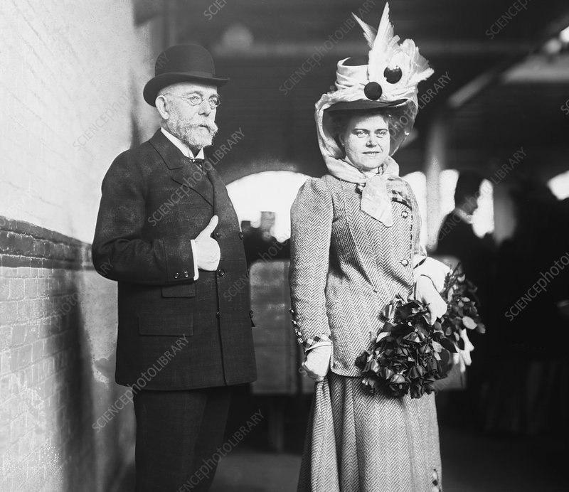 Robert Koch and wife, 1908