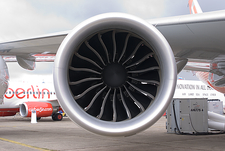 Boeing 747-8 engine