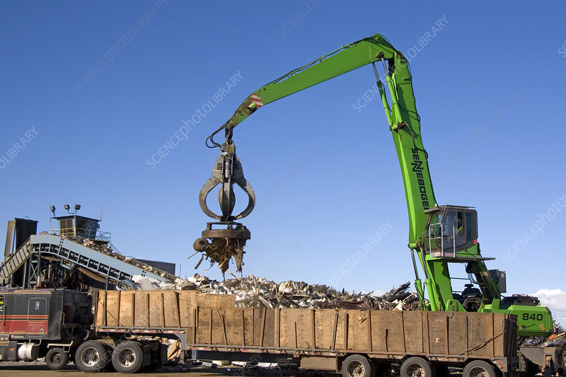 Electromagnetic Crane Lifting Scrap Steel