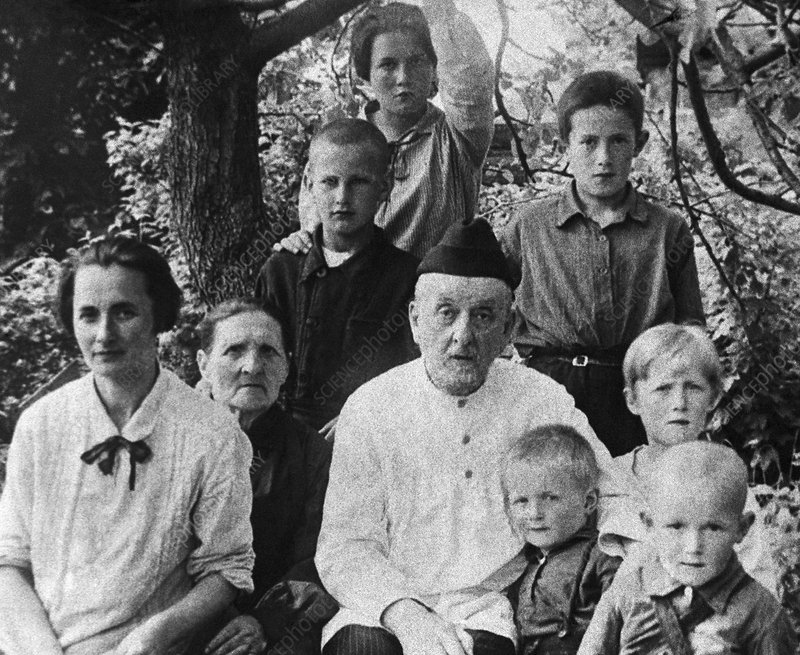 Rocket pioneer Tsiolkovsky and family