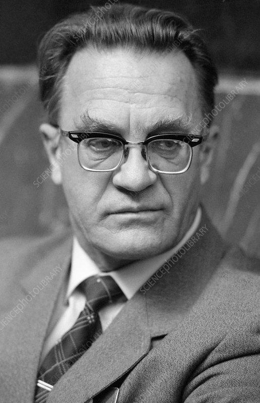 Vlail Kaznacheyev, Soviet physiologist