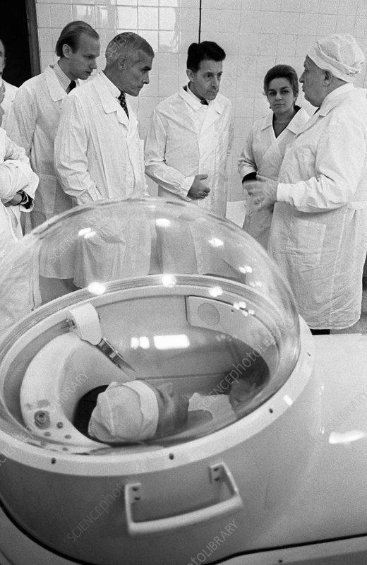 Pressure chamber medicine, 1974