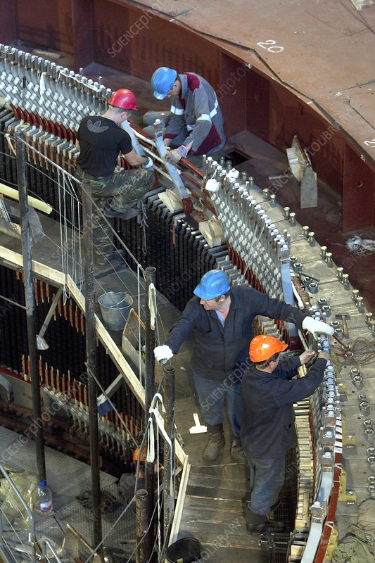 Repairs to a hydroelectric dam