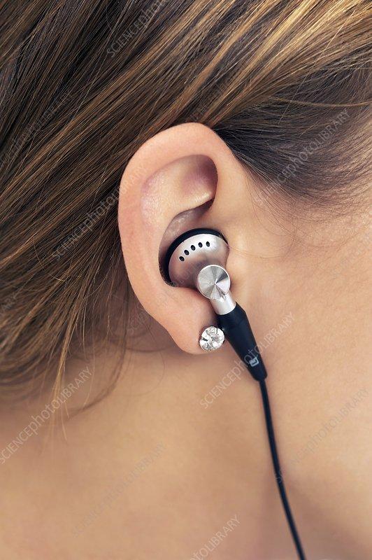 Earphone use