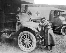 Red Cross ambulances, World War I