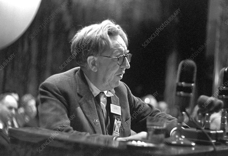 John Bernal speaking in Moscow, 1962