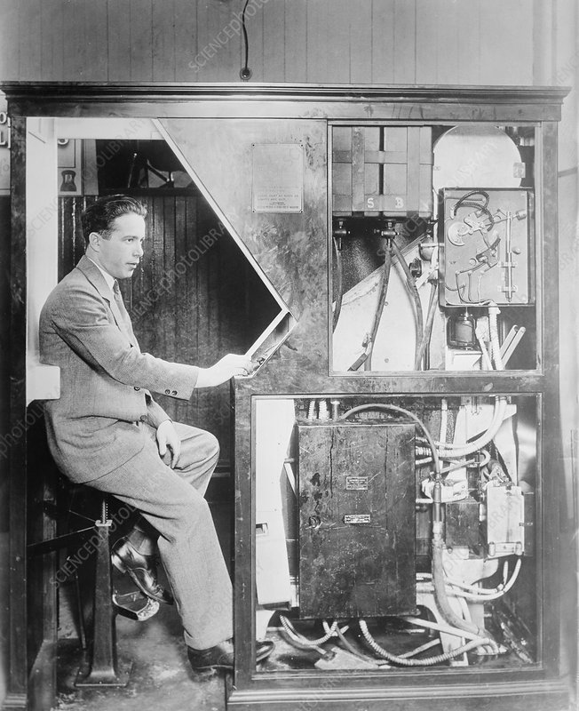 Anatol Josepho, photo booth inventor