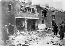 Bomb damage, Great Yarmouth, 1915