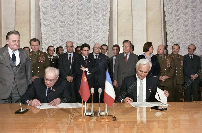 Signing Soviet-French space accord