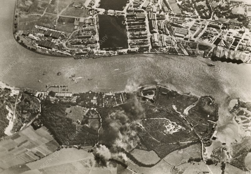 Chatham dockyards air raid, World War II
