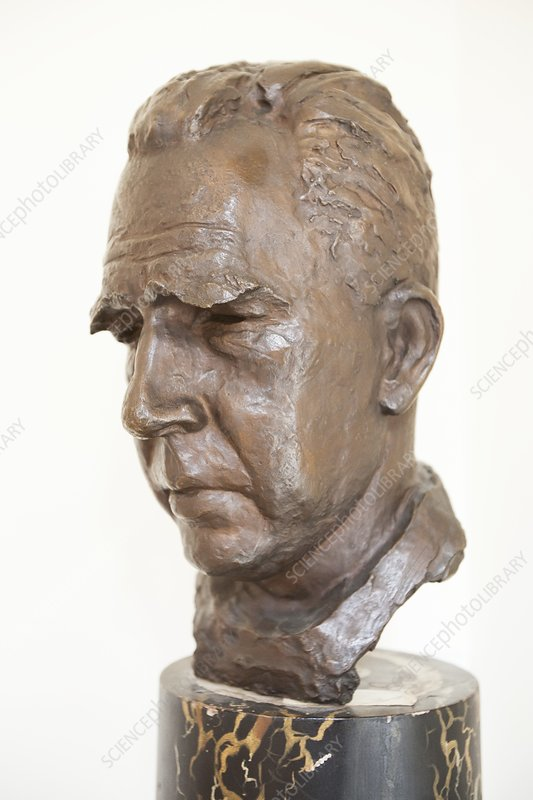 Niels Bohr sculpture