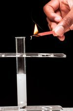 Lit splint test for hydrogen gas