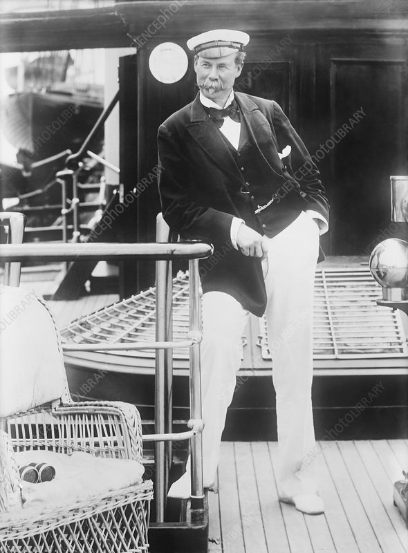 Thomas Lipton, Scottish yachtsman