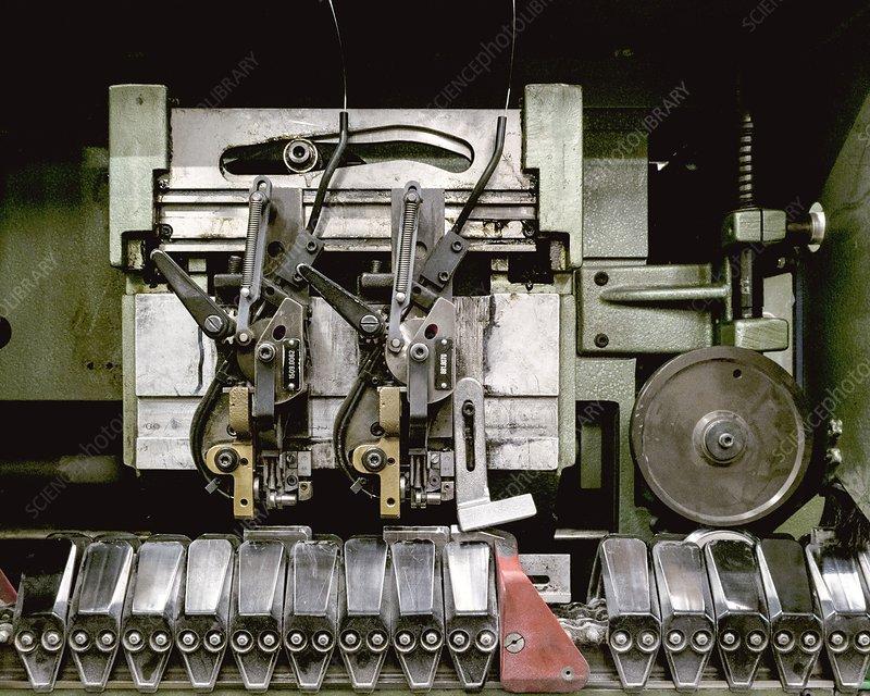 Binding and stapling machine